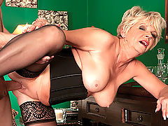 Deanna Bentley, Mid-Western Cream Pie Slut