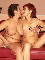 Horny mature lesbians Steph and Julianna got together to put up a show and help each other get off