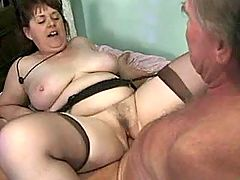 Milf catch cum after anal in office