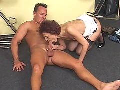 Kinky mama getting a face full of cum